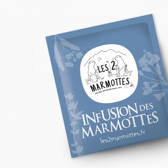 Refonte du logo Les 2 marmottes sur un sachet d'infusion réalisé par PEGGY Verdillon graphiste multimédia.
