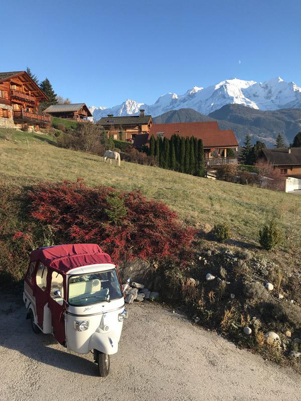 Piaggio APE Calessino face au Mont Blanc
